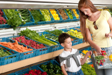 Shopping for additive-free food